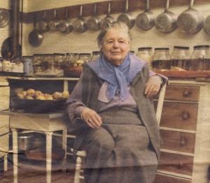 Marguerite Yourcenar  (Bruselas, 1903-Maine, 1987), fotografiada en 1979 en su casa de Maine (Estados Unidos). Foto: JP Laffont / Corbis